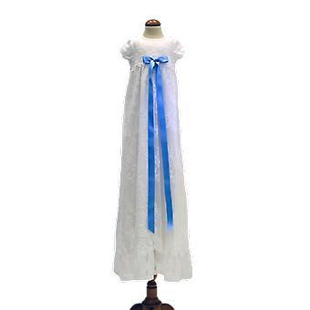 Dopklänning I Vit Spets Med Ljusblå Rosett. Grace Of Sweden