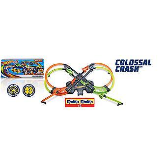 Hot Wheels GFH87 Colossal Crash Figure 8 Track Set Toy