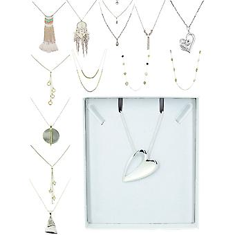 Dlhý elegantný náhrdelník
