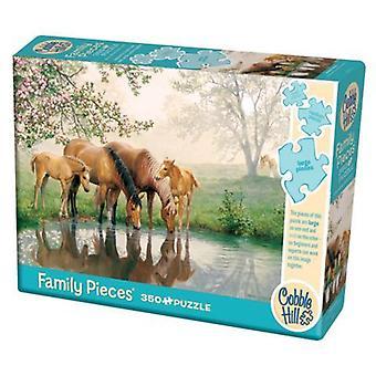 Cobble hill puzzle - horse family - 350 pc