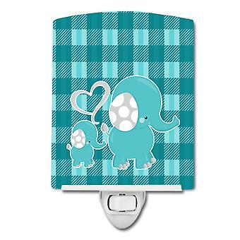 كارولينز كنوز BB6839CNL منقوشة Momma وطفل الفيل ضوء ليلة السيراميك