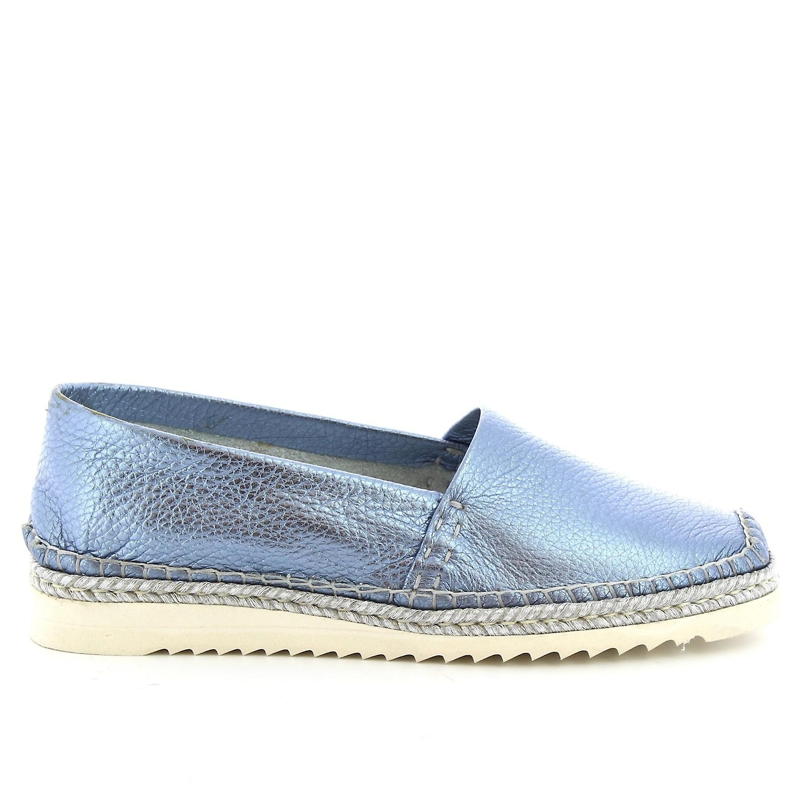 Leonardo Shoes Women's handmade slip-on loafers in pearl blue calf leather