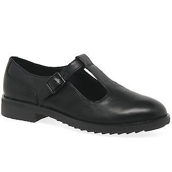 كلاركس غريفين بلدة النساء تي بار أحذية