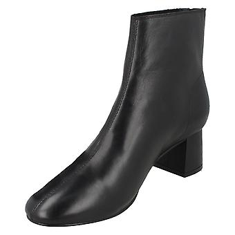 Ladies Leather Collection Mid Heel Ankle Boots F51135