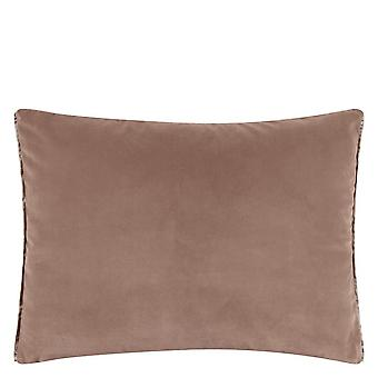 Ontwerpers Guild Cassia Plain Cushion In Cameo Pink