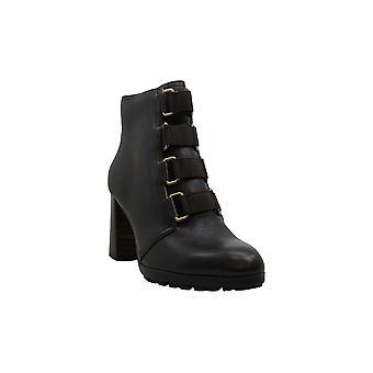 أدريان Vittadini المرأة & apos أحذية تيريزا الجلود اللوز أحذية أزياء الكاحل