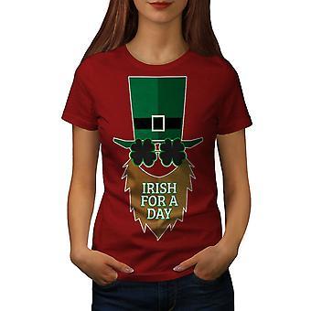Ирландский за день женщин RedT рубашку | Wellcoda