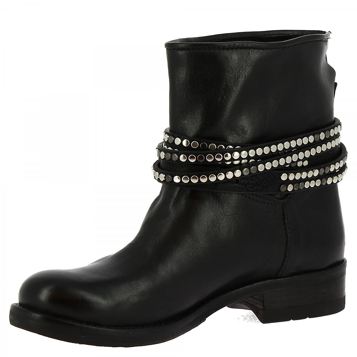 Leonardo Shoes Women's handmade ankle boots black calf leather strap and buckle