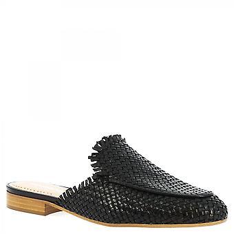 Leonardo Sko Kvinner's håndlagde lav muldyr sandaler i svart vevd kalv skinn