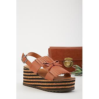 Quaste Detail Keil Ferse Sandalen