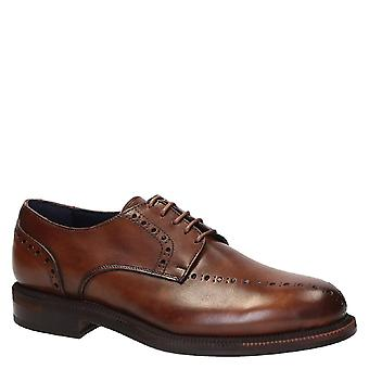 Ręcznie robione męskie buty sukienka w brązowej skóry