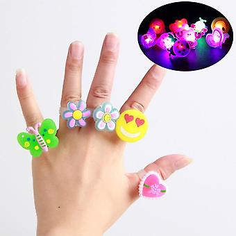 5pcs Anneaux lumineux Glow In The Dark Toys For (5pcs Random Rings)