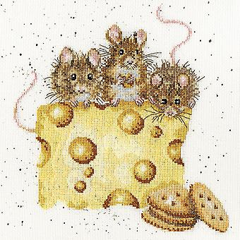 Wrendale Designs Crackers About Cheese (XHD53) Cross Stitch Kit by Bothy Threads