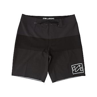 بيلابونغ تريبونغ Airlite البورد التقني shorts في الأسود