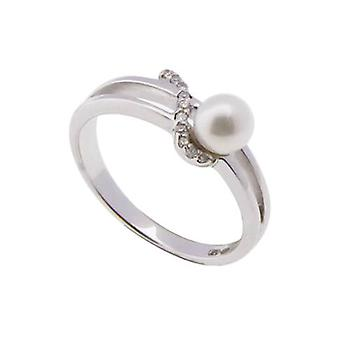 White gold diamonds and pearl ring