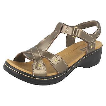 Ladies Clarks Leather Sandals Hayla Flute