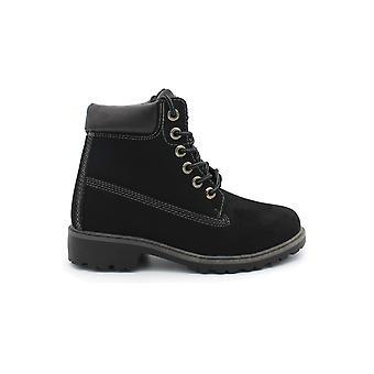 Women's resistant street boots