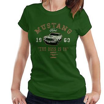 Ford Mustang Chefen är i kvinnors T-shirt