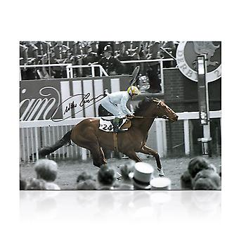 Willie Carson firmado carreras de caballos Foto: Troy
