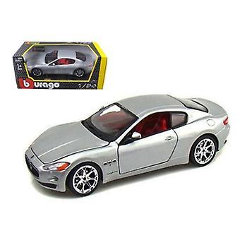 2008 Maserati Gran Turismo Silver/Gray 1/24 Diecast Car Model par Bburago
