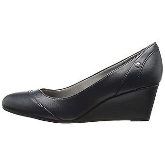 LifeStride Womens Dreams Leather Closed Toe Wedge Pumps