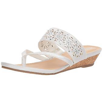 Reação de Kenneth Cole Mulheres Grande Tecido Chime Split Toe Casual Slide Sandals