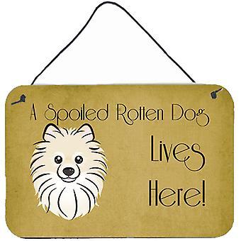 Pomeranian cachorro mimado vive aqui, parede ou porta-impressões de suspensão