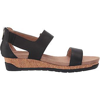 ADRIENNE VITTADINI Women's Taytum Sandal