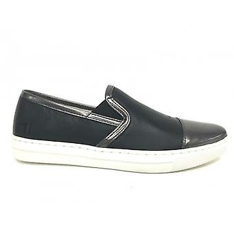 Sapatos femininos Trussardi Jeans Slipon Black Leather Dot Ds16tj03