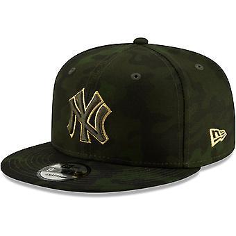 Nowa era Snapback Cap - uzbrojone siły dnia New York Yankees
