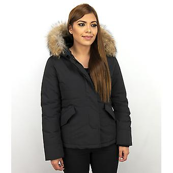 Short Winter coat - With Fur Collar - Black