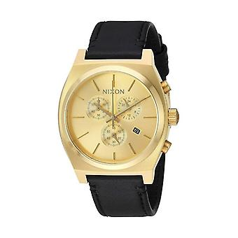 Nixon (39 mm) A1164510 men's watch
