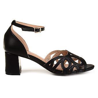 Brinley Co naisten Ashby piip rento nilkka hihna sandaalit