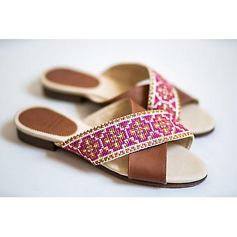 Tatreez Cross Sandal - Berry