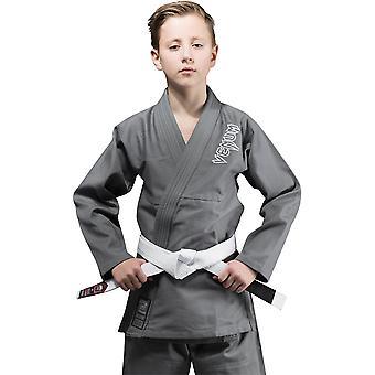 VM barn utfordrer brasiliansk jiu-jitsu gi-grå