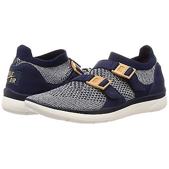 Nike Womens Sockracer Flyknit Low Top Buckle Running Sneaker