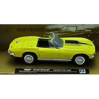 1:43 escala Die-cast amarelo 1967 Chevrolet Corvette