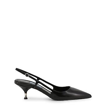 Woman leather courts shoes p31543