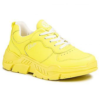 Neongelbe flache Schuhe