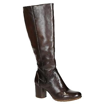Block heels knee high boots in chocolate leather