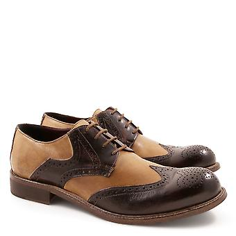 Handmade brogue shoes for men in italian leather