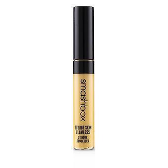 סטודיו smashbox העור ללא רבב 24 שעות קונסילר-אור בינוני חם הזהב 8ml/0.27 עוז