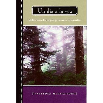 Un Dia a la Vez by Anonymous - 9781592857340 Book