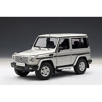 Mercedes Benz G500 SWB (1990) Diecast Model Car