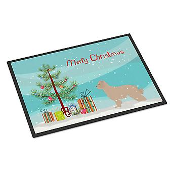 ピレネー山脈の羊飼いの犬メリー クリスマス ツリーは屋内または屋外マット 24 × 36
