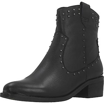 Carmela Booties 67075c Color Black
