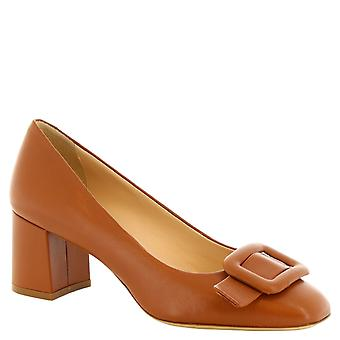 Leonardo Shoes Women's handmade square toe pumps in brown calf leather