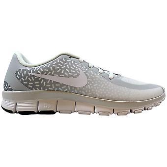 Nike Gratis 5,0 V4 NS PT Pure Platinum/vit-vit 695168-011 Kvinnor's