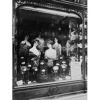 Paris, 1912 - de Avenida de vitrine de loja de cabeleireiros Strasbourg Poster imprimir por Eugene Atget