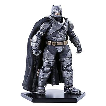 Batman mod Superman Dawn of Justice pansrede Batman 1:10 Statue